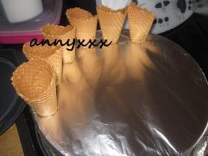 Peppermin Chunk Ice Cream Cone  (2)