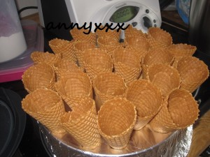 Peppermin Chunk Ice Cream Cone  (3)